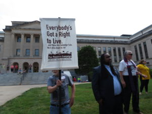 "Sign reads ""Everybody's Got a Right to Live"""